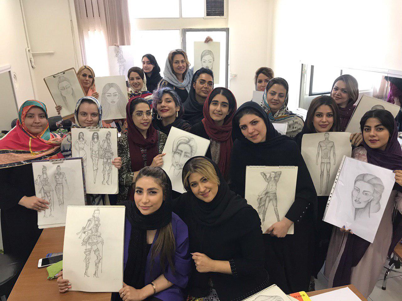 کلاس های طراحی لباس