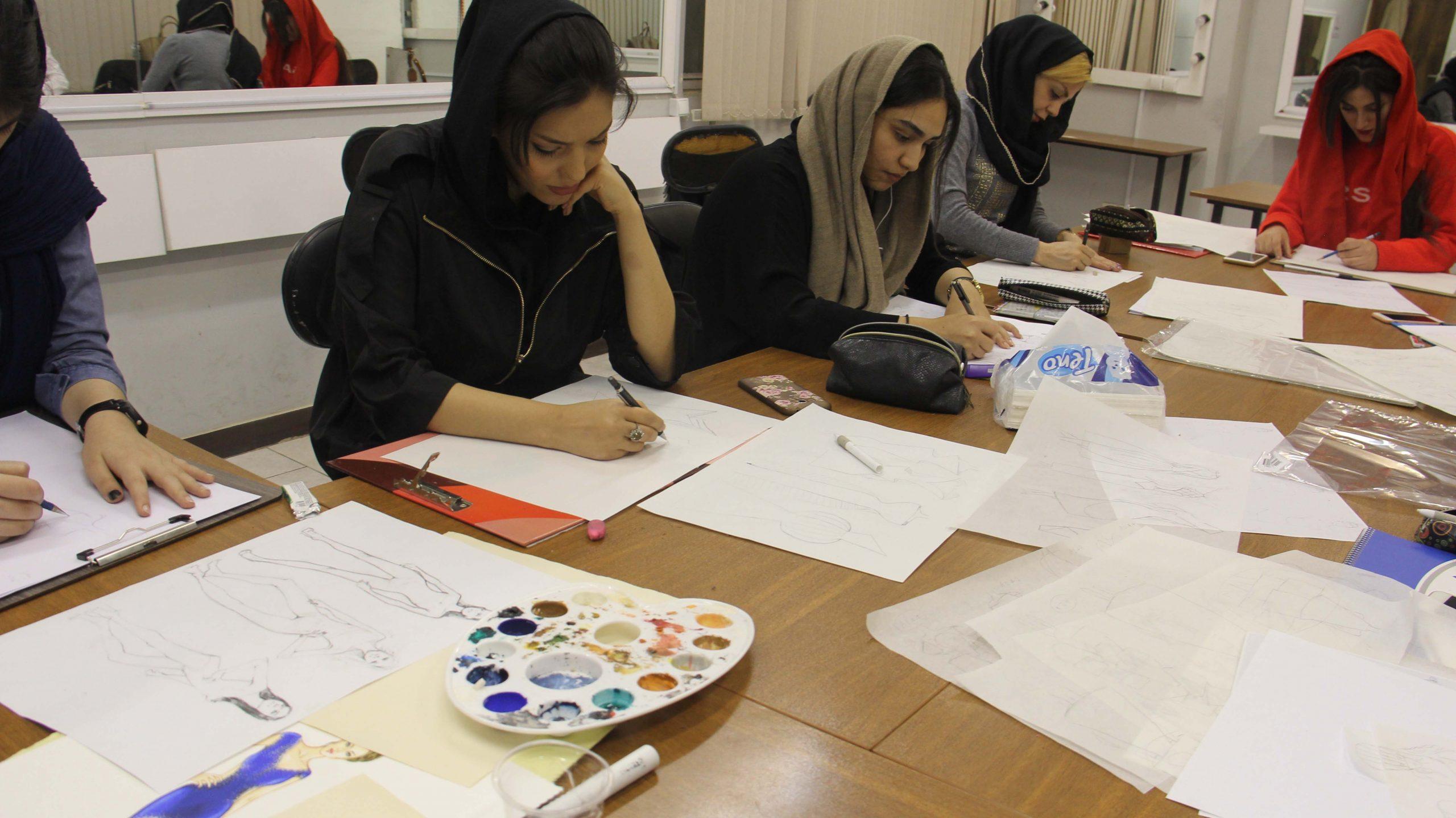 آموزش طراحی لباس مجلسی