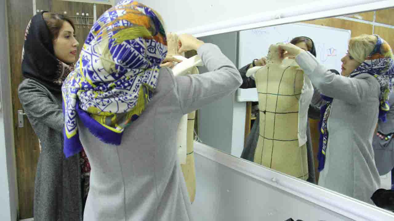 آموزشگاه طراحی لباس شب